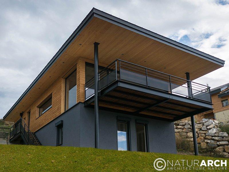 construire une maison en bois sur un terrain pente. Black Bedroom Furniture Sets. Home Design Ideas